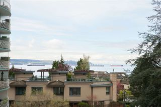 "Photo 2: 302 2167 BELLEVUE Avenue in West Vancouver: Dundarave Condo for sale in ""VANDEMAR WEST"" : MLS®# R2159387"