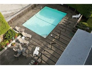 "Photo 3: 302 2167 BELLEVUE Avenue in West Vancouver: Dundarave Condo for sale in ""VANDEMAR WEST"" : MLS®# R2159387"