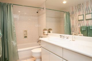 "Photo 11: 302 2167 BELLEVUE Avenue in West Vancouver: Dundarave Condo for sale in ""VANDEMAR WEST"" : MLS®# R2159387"