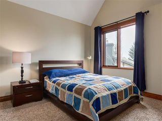 Photo 24: 424 COACH LIGHT Bay SW in Calgary: Coach Hill House for sale : MLS®# C4112862