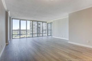 """Photo 3: 1802 950 CAMBIE Street in Vancouver: Yaletown Condo for sale in """"Palace Place Landmark 1"""" (Vancouver West)  : MLS®# R2171684"""