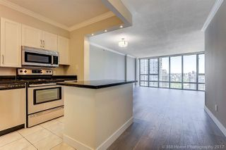 """Photo 4: 1802 950 CAMBIE Street in Vancouver: Yaletown Condo for sale in """"Palace Place Landmark 1"""" (Vancouver West)  : MLS®# R2171684"""
