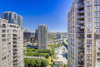 """Photo 6: 1802 950 CAMBIE Street in Vancouver: Yaletown Condo for sale in """"Palace Place Landmark 1"""" (Vancouver West)  : MLS®# R2171684"""