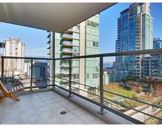 "Photo 4: 405 1680 BAYSHORE Drive in Vancouver: Coal Harbour Condo for sale in ""BAYSHORE GARDENS"" (Vancouver West)  : MLS®# R2173851"