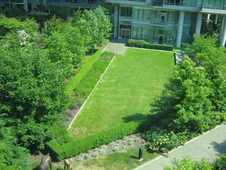 "Photo 2: 405 1680 BAYSHORE Drive in Vancouver: Coal Harbour Condo for sale in ""BAYSHORE GARDENS"" (Vancouver West)  : MLS®# R2173851"