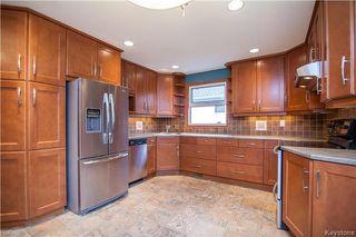 Photo 5: 9 Peterboro Bay in Winnipeg: Windsor Park Residential for sale (2G)  : MLS®# 1717327