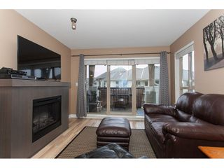 Photo 3: 424 8915 202 Street in Langley: Walnut Grove Condo for sale : MLS®# R2215824