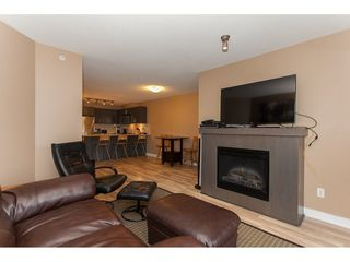 Photo 5: 424 8915 202 Street in Langley: Walnut Grove Condo for sale : MLS®# R2215824