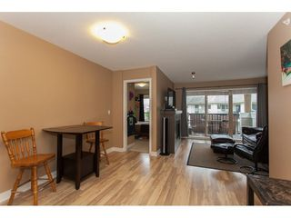 Photo 6: 424 8915 202 Street in Langley: Walnut Grove Condo for sale : MLS®# R2215824