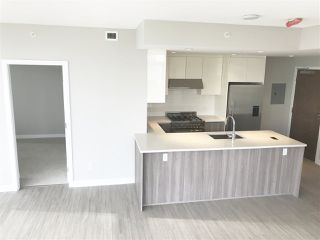 """Photo 6: 604 4900 LENNOX Lane in Burnaby: Metrotown Condo for sale in """"PARK METROTOWN"""" (Burnaby South)  : MLS®# R2222258"""