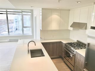 """Photo 4: 604 4900 LENNOX Lane in Burnaby: Metrotown Condo for sale in """"PARK METROTOWN"""" (Burnaby South)  : MLS®# R2222258"""