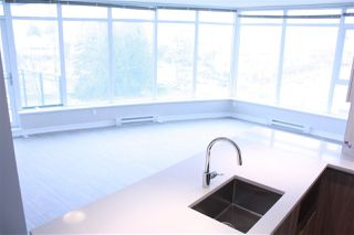 """Photo 3: 604 4900 LENNOX Lane in Burnaby: Metrotown Condo for sale in """"PARK METROTOWN"""" (Burnaby South)  : MLS®# R2222258"""