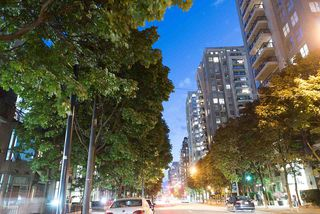 Photo 5: 308 928 RICHARDS STREET in Vancouver: Yaletown Condo for sale (Vancouver West)  : MLS®# R2226885