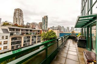 "Photo 4: 801 289 DRAKE Street in Vancouver: Yaletown Condo for sale in ""PARKVIEW TOWER"" (Vancouver West)  : MLS®# R2234032"