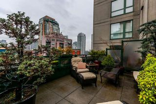 "Photo 2: 801 289 DRAKE Street in Vancouver: Yaletown Condo for sale in ""PARKVIEW TOWER"" (Vancouver West)  : MLS®# R2234032"