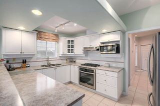 """Photo 4: 37 2979 PANORAMA Drive in Coquitlam: Westwood Plateau Townhouse for sale in """"DEERCREST"""" : MLS®# R2238055"""