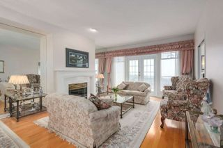 """Photo 6: 37 2979 PANORAMA Drive in Coquitlam: Westwood Plateau Townhouse for sale in """"DEERCREST"""" : MLS®# R2238055"""