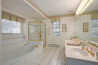 """Photo 13: 37 2979 PANORAMA Drive in Coquitlam: Westwood Plateau Townhouse for sale in """"DEERCREST"""" : MLS®# R2238055"""