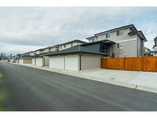 """Photo 2: 27164 35A Avenue in Langley: Aldergrove Langley House for sale in """"THE MEADOWS"""" : MLS®# R2238961"""