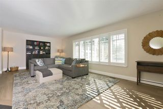 Photo 3: 2792 HOSKINS Road in North Vancouver: Westlynn Terrace House for sale : MLS®# R2242642