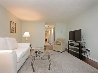 Photo 3: 202 720 Vancouver St in VICTORIA: Vi Fairfield West Condo Apartment for sale (Victoria)  : MLS®# 786446