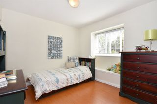 Photo 14: 528 E 44TH Avenue in Vancouver: Fraser VE House 1/2 Duplex for sale (Vancouver East)  : MLS®# R2267554