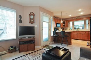 """Photo 7: 33 21848 50 Avenue in Langley: Murrayville Townhouse for sale in """"Cedar Crest"""" : MLS®# R2282232"""