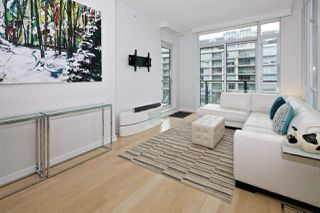 "Photo 4: 404 1625 MANITOBA Street in Vancouver: False Creek Condo for sale in ""SHORELINE @ THE VILLAGE ON FALSE CREEK"" (Vancouver West)  : MLS®# R2310552"