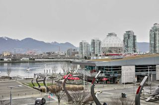 "Photo 1: 404 1625 MANITOBA Street in Vancouver: False Creek Condo for sale in ""SHORELINE @ THE VILLAGE ON FALSE CREEK"" (Vancouver West)  : MLS®# R2310552"