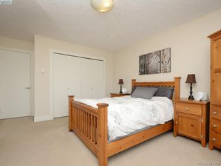 Photo 11: 2092 Greenhill Rise in VICTORIA: La Bear Mountain Townhouse for sale (Langford)  : MLS®# 401209