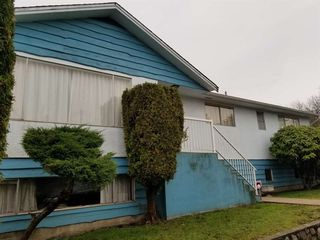 Photo 2: 7209 LANCASTER Place in Vancouver: Fraserview VE House for sale (Vancouver East)  : MLS®# R2328531