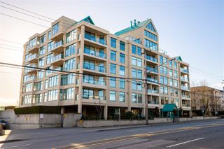 """Photo 1: 307 15466 NORTH BLUFF Road: White Rock Condo for sale in """"The Summit"""" (South Surrey White Rock)  : MLS®# R2330500"""