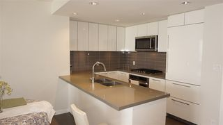 "Photo 3: 2709 3093 WINDSOR Gate in Coquitlam: New Horizons Condo for sale in ""THE WINDSOR BY POLYGON"" : MLS®# R2340813"