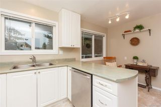 Photo 13: 7986 Wallace Dr in SAANICHTON: CS Saanichton Single Family Detached for sale (Central Saanich)  : MLS®# 808251