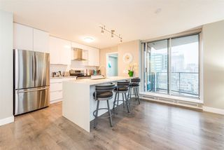 "Photo 3: 1903 188 KEEFER Place in Vancouver: Downtown VW Condo for sale in ""ESPANA"" (Vancouver West)  : MLS®# R2347994"