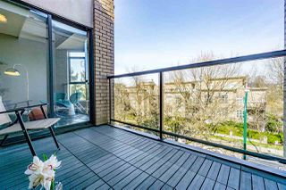 """Photo 13: 402 2130 W 12 Avenue in Vancouver: Kitsilano Condo for sale in """"ARBUTUS WEST TERRACE"""" (Vancouver West)  : MLS®# R2349932"""