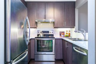 """Photo 3: 402 2130 W 12 Avenue in Vancouver: Kitsilano Condo for sale in """"ARBUTUS WEST TERRACE"""" (Vancouver West)  : MLS®# R2349932"""