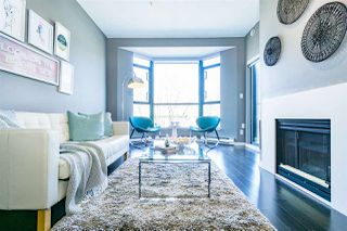 """Photo 10: 402 2130 W 12 Avenue in Vancouver: Kitsilano Condo for sale in """"ARBUTUS WEST TERRACE"""" (Vancouver West)  : MLS®# R2349932"""
