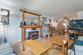 """Photo 2: 8633 10TH AVE. Avenue in Burnaby: The Crest House for sale in """"The Crest"""" (Burnaby East)  : MLS®# R2356569"""