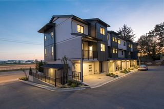 "Photo 1: 26 34825 DELAIR Road in Abbotsford: Abbotsford East Townhouse for sale in ""Breeze"" : MLS®# R2368242"
