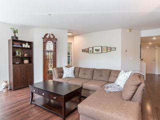 """Photo 6: 301 7475 138 Street in Delta: East Newton Condo for sale in """"CARDINAL COURT"""" (Surrey)  : MLS®# R2368570"""