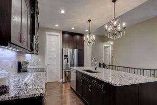 Photo 4: 2027 90 Street in Edmonton: Zone 53 House for sale : MLS®# E4157388