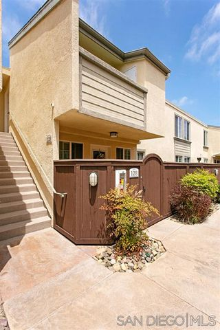 Photo 14: CLAIREMONT Condo for sale : 2 bedrooms : 5252 Balboa Arms Dr. #228 in San Diego