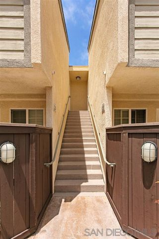 Photo 13: CLAIREMONT Condo for sale : 2 bedrooms : 5252 Balboa Arms Dr. #228 in San Diego