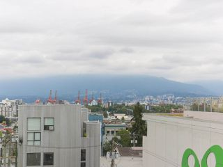 """Photo 15: 702 250 E 6TH Avenue in Vancouver: Mount Pleasant VE Condo for sale in """"The District"""" (Vancouver East)  : MLS®# R2386301"""