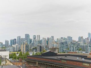 """Photo 14: 702 250 E 6TH Avenue in Vancouver: Mount Pleasant VE Condo for sale in """"The District"""" (Vancouver East)  : MLS®# R2386301"""
