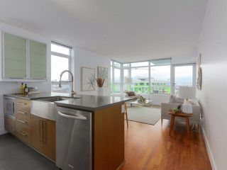 """Photo 7: 702 250 E 6TH Avenue in Vancouver: Mount Pleasant VE Condo for sale in """"The District"""" (Vancouver East)  : MLS®# R2386301"""