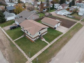 Photo 2: 321 3rd Avenue in Allan: Residential for sale : MLS®# SK789439