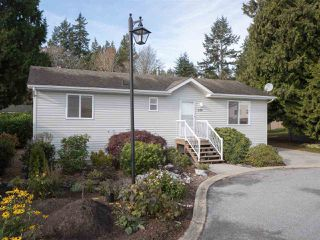 "Photo 17: 113 4510 SUNSHINE COAST Highway in Sechelt: Sechelt District Manufactured Home for sale in ""BIG MAPLES"" (Sunshine Coast)  : MLS®# R2418771"