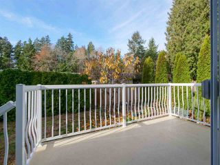 "Photo 16: 113 4510 SUNSHINE COAST Highway in Sechelt: Sechelt District Manufactured Home for sale in ""BIG MAPLES"" (Sunshine Coast)  : MLS®# R2418771"